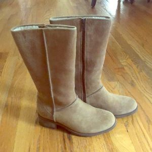 Linford - Chestnut boots by UGG